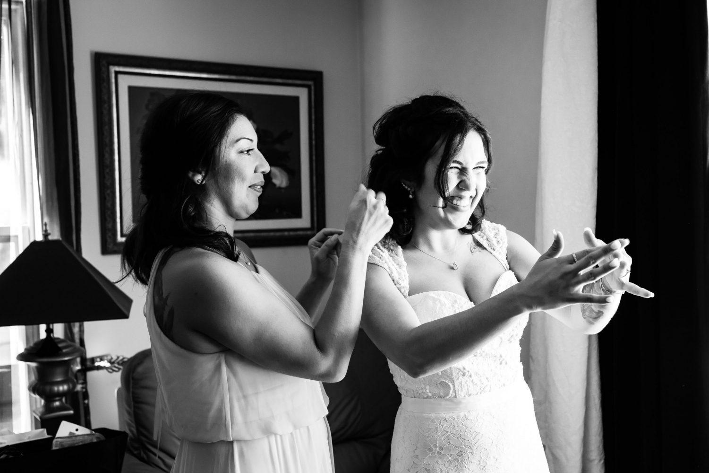 bride getting ready photos, kingston wedding photographer