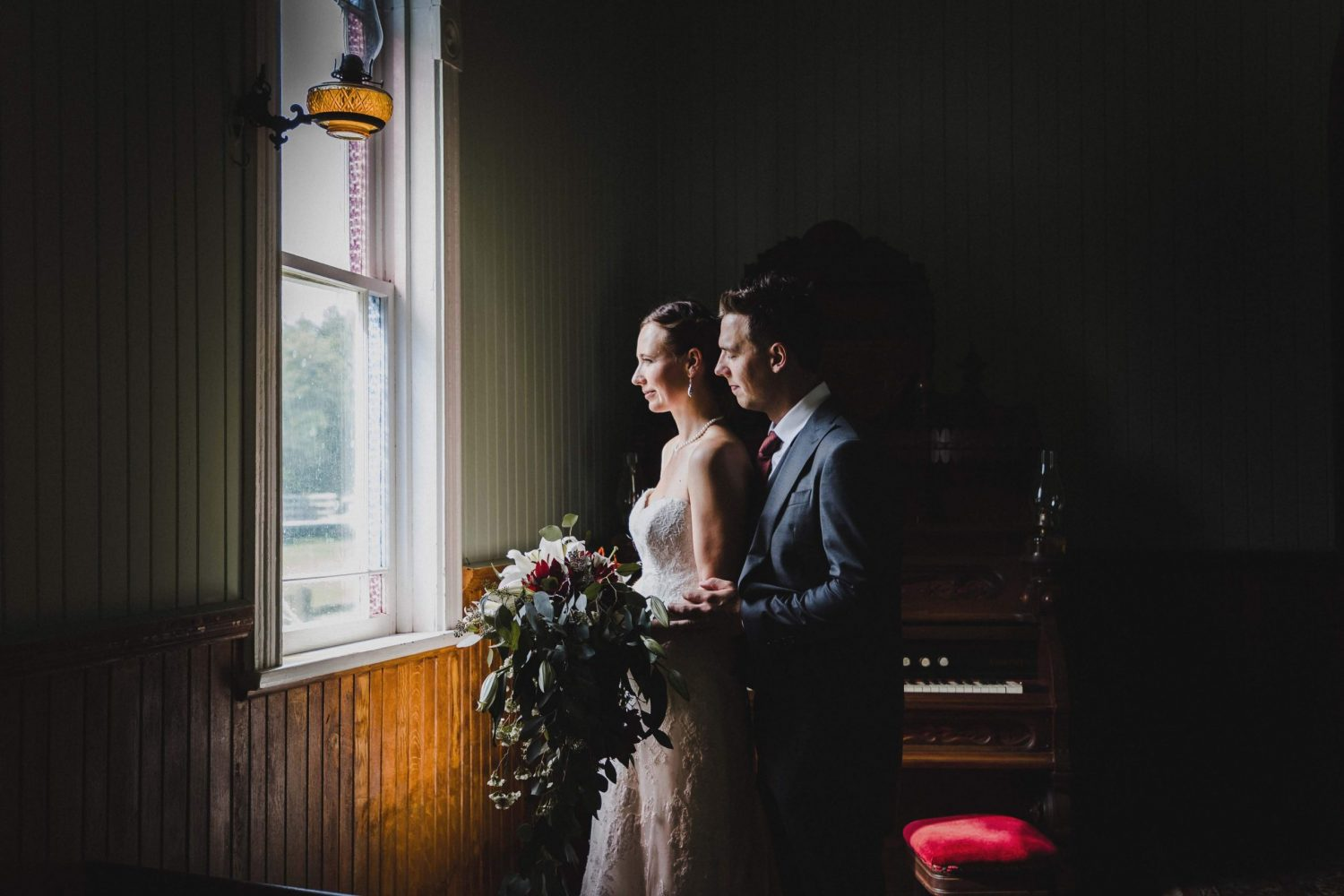 lang pioneer village wedding, intimate wedding, peterborough wedding photographer